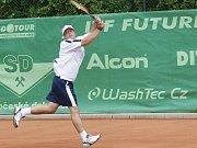 Čtvrtým sportovním dnem pokračovaly hry mentálně znevýhodněných sportovců Global Games 2009 v Jablonci. Na tenisových kurtech v Proseči bojoval Jiří Humhal.