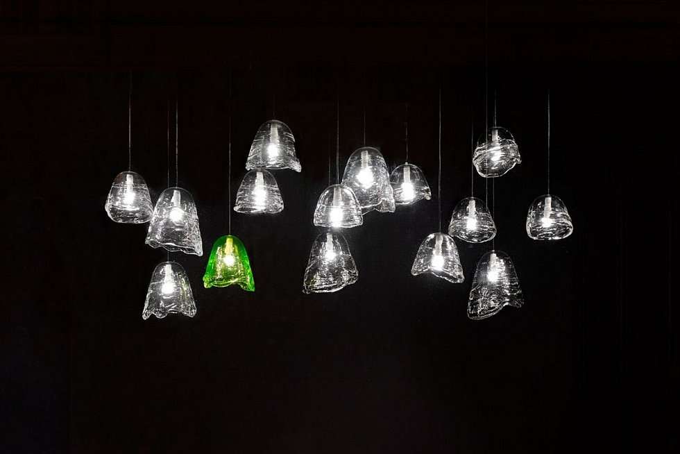 Lasvit muzeu věnoval svítidlo Frozen navržené Maximem Velčovským.