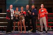 Galavečer bojových sportů, Iron Night Fight 3, proběhl 22. února v městské hale v Jablonci nad Nisou. Na snímku je Michaela Kerlehová (třetí zprava) a Hiba Hosny (druhá zprava) z Německa v kategorii světový titul WKU do 52 kilogramů.