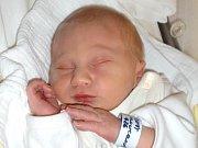 Eduard Charvát se narodil Magdaleně Hloucalové a Janovi Charvátovi z Liberce 9. 9. 2014. Měřil 48 cm, vážil 2800 g.