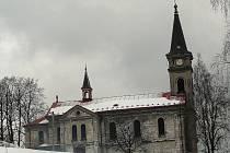 Kostel Navštívení Panny Marie v Lučanech nad Nisou.