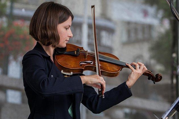 Jakub a Karolína Kocnovi odehráli 6.června vJablonci nad Nisou koncert pro housle a violu. Vystoupení proběhlo vrámci hudebního festivalu Město plné tónů 2018.