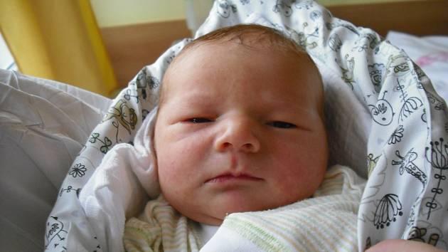 Josífek Pažout. Narodil se 21. prosince v jablonecké porodnici mamince Zdeňce Faiglové z Veselic. Vážil 3,94 kg a měřil 50 cm.