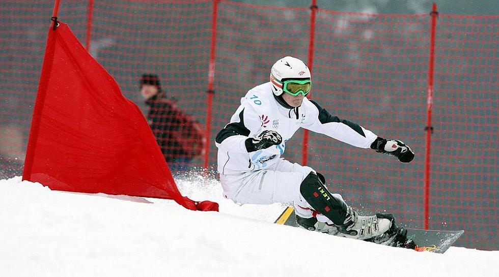 10 TRESOLDI Luca (ITA) – vítěz chlapeckého závodu. Obří slalom na snowboardu na evropské olympiádě mládeže EYOWF 2011 v Rejdicích.