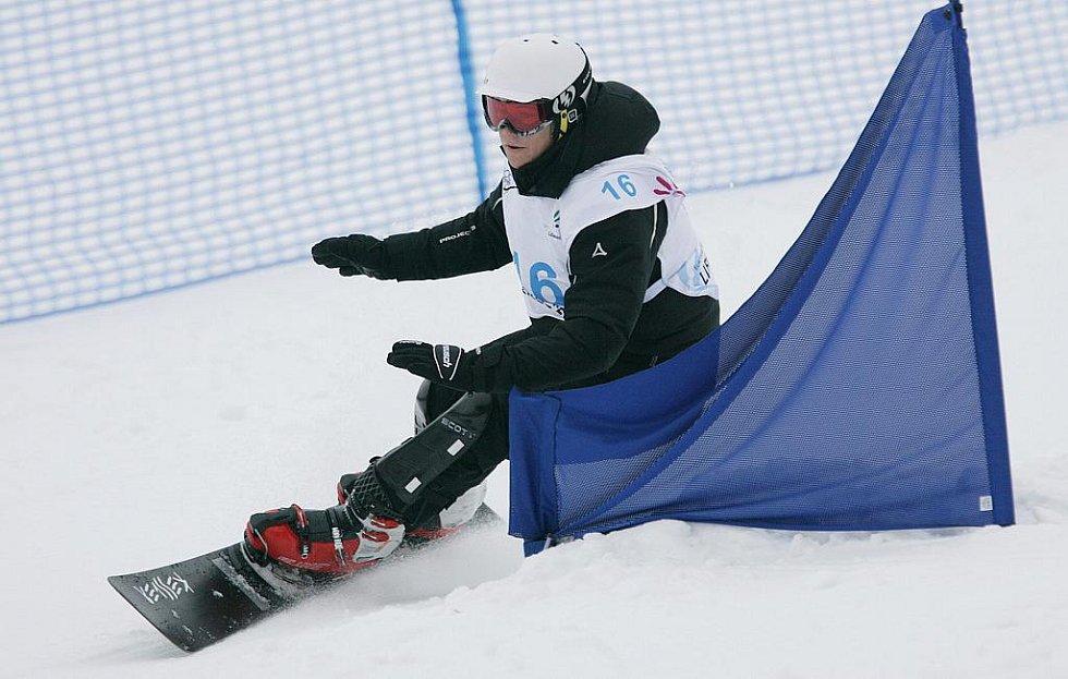 16 BUTOLLO Sandro (AUT) – stříbrný snowboardista. Obří slalom na snowboardu na evropské olympiádě mládeže EYOWF 2011 v Rejdicích.