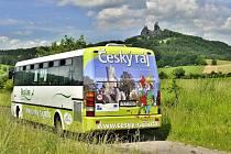 Již jednadvacátým rokem mají návštěvníci Českého ráje od konce května do září možnost využívat k přepravě letní turistické autobusy.