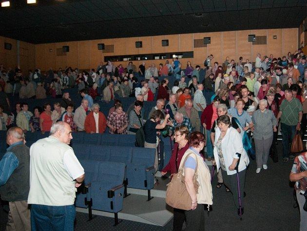 Film Šmejdi seniory lákal, ale stále se najdou ti, kteří ho asi neviděli