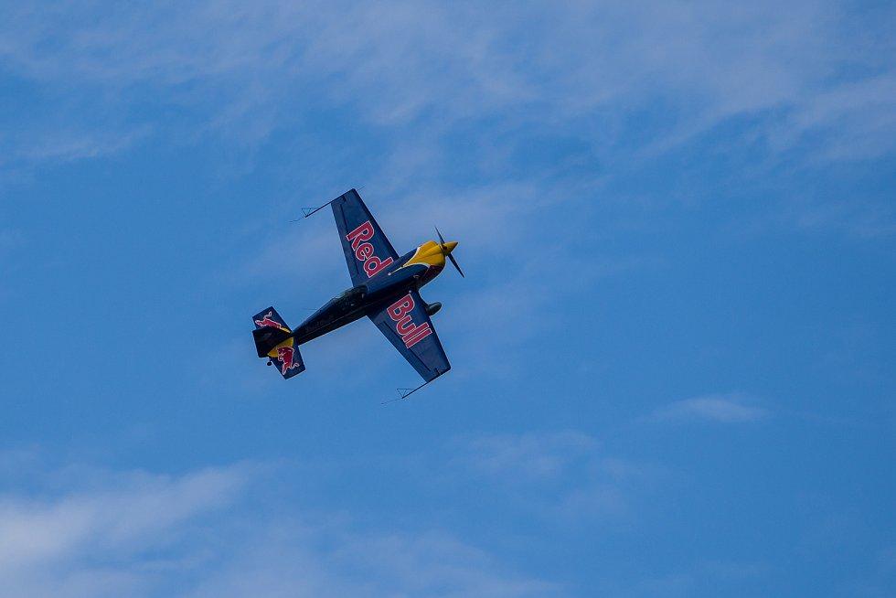 Finále závodu světové série horských kol ve fourcrossu, JBC 4X Revelations, proběhlo 15. července v bikeparku v Jablonci nad Nisou. Před zahájením závodu se předvedl letecký akrobat Martin Šonka, pilot světové série Red Bull Air Race.
