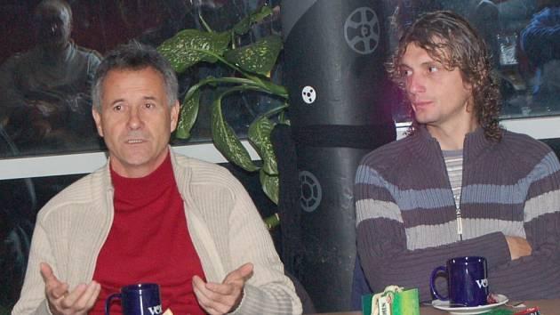 Klub Na Rampě hostil další besedu s oběma lodivody FK Jablonec 97. Ti, kteří přišli podebatovat se mohly zeptat trenera týmu Františka Komňackého a jeho asistenta Jozefa Webera.