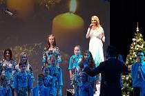 Iveta Bartošová v Jablonci koncertovala s Vrabčáky.