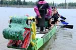 Závody dračích lodí na jablonecké přehradě, 2011.