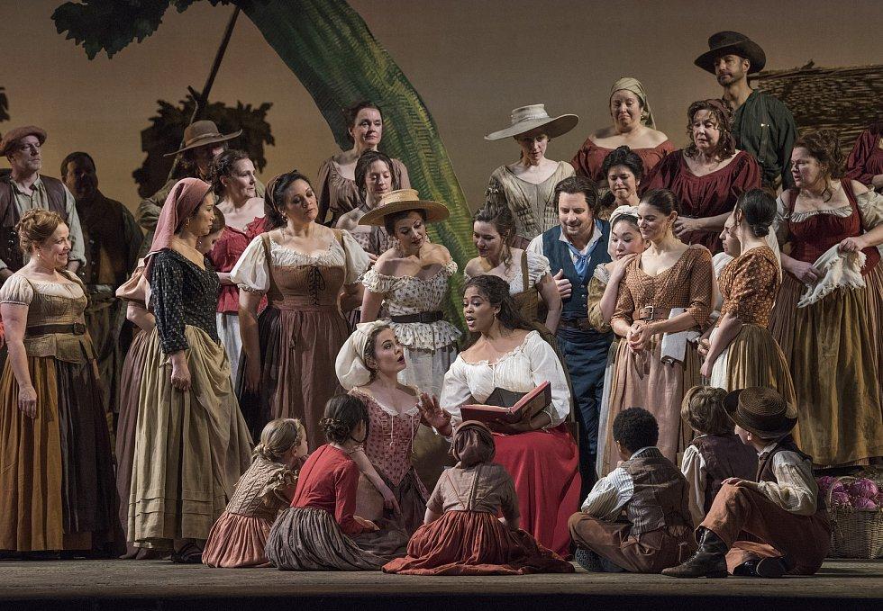 Komická opera L'elisir d'amore od Gaetana Donizetti v nastudování Metropolitní opery v New Yorku.