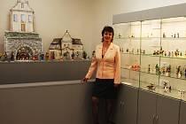 Alena Kortanová v Minimuzeu betlémů