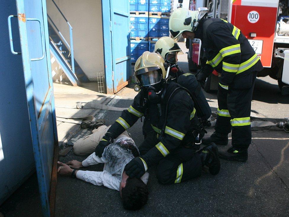 Cvičný požár v AKT.