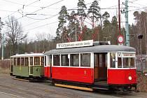 Šestá renovovaná historická tramvaj – vlečný vůz Jabloneckých elektrických drah z roku 1932 patřící libereckému Boveraclubu.