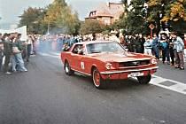 Závody automobilů v jablonecké Palackého ulici v roce 1994