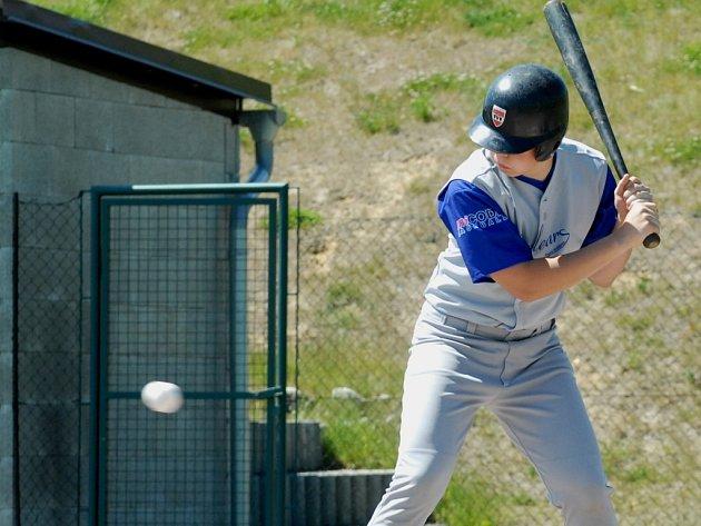 NEJLEPŠÍ TÝMY EVROPY. Jablonecké hřiště AshField bude až do soboty hostit většinu utkání Mistrovství Evropy kadetů v baseballu.
