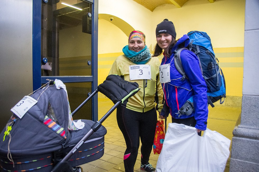 Trojice maminek na mateřské dovolené uspořádaly první ročník závodu pro rodiny s dětmi Jizerský prcek.