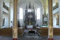 Oltář v kostele sv. Bartoloměje v Držkově