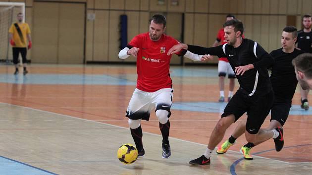 Úspěšný hráč reprezentačního týmu malého fotbalu Michal Salák v Jablonci předvedl, jak hraje mistr světa.