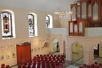 Kostel sv. Anny v Jablonci nad Nisou. V září 2006 byl kostel předán po rekonstrukci k užívání, příležitostně se tu slouží mše, probíhají tu kulturní a hudební akce, svatby.  Teprve v roce 2009 dostal kostel nové varhany.
