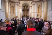 Letošní tradiční Koledování Na Poušti, tedy v kostelíku svatého Jana Nepomuckého v Železném Brodě, se letos neslo v duchu Finských koled.