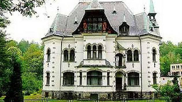 Dominanta Desné - Riedlova vila.