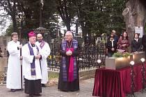 Turnovský děkan Václav Vlasák a biskup Jan Baxant.