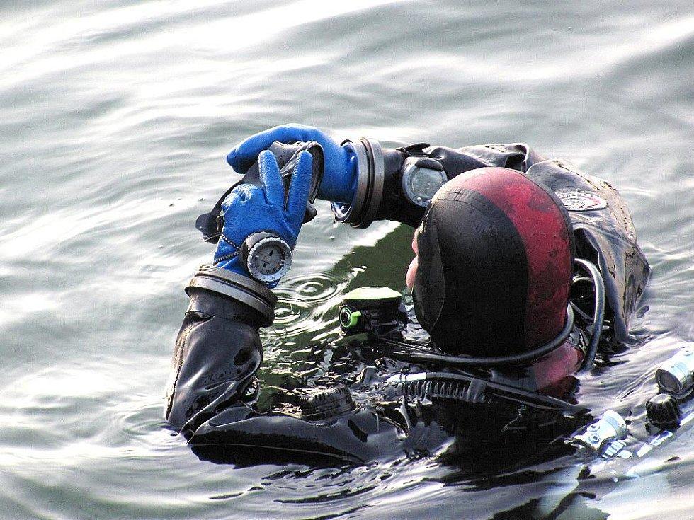 V jablonecké přehradě trénují potápěči Snakesubu. Jsou napojeni na Integrovanž záchranný systém a pomáhají při hledání utonulých nejen v Libereckém kraji ale i jinde v republice. Jsou to specialisté na extrémně hluboké ponory.