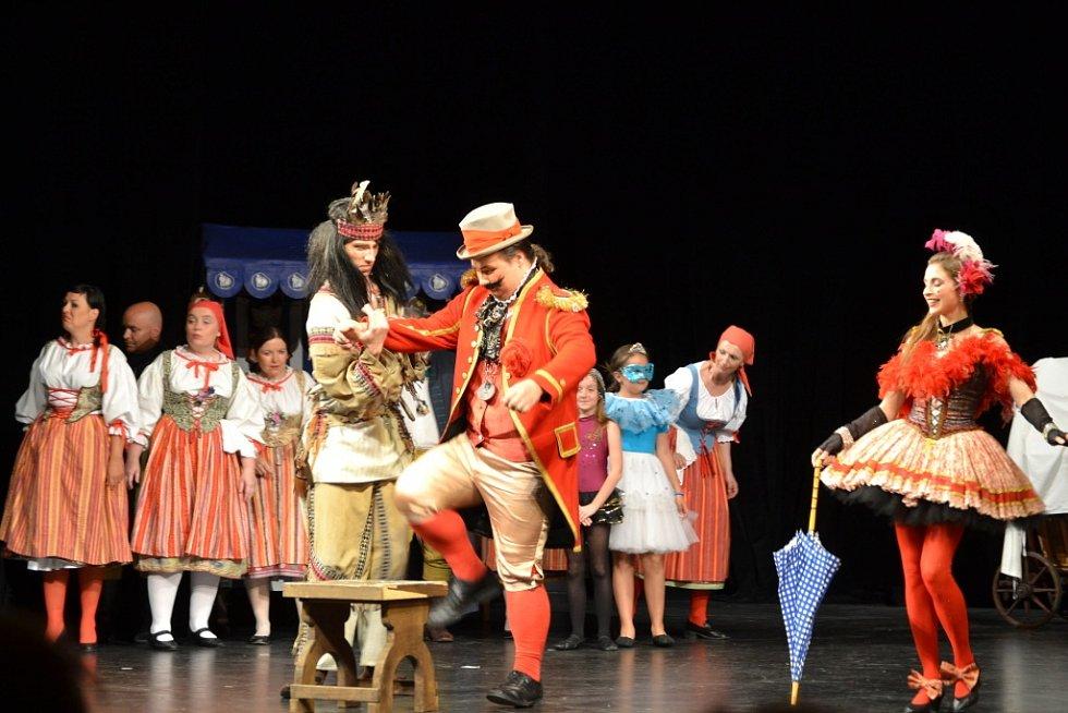 Inscenaci klasické opery Bedřicha Smetany připravili v Krušnohorském divadle při teplické Evropské hudební akademii, což je operní workshop. Vystoupili pouze pět krát, třikrát na domácí půdě v Teplicí, jednou v Děčíně a v Jablonci.
