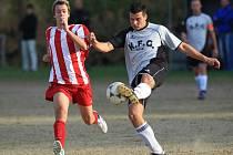 Kokonín B doma podlehl Albrechticím (v šedém) těsně 1:0.