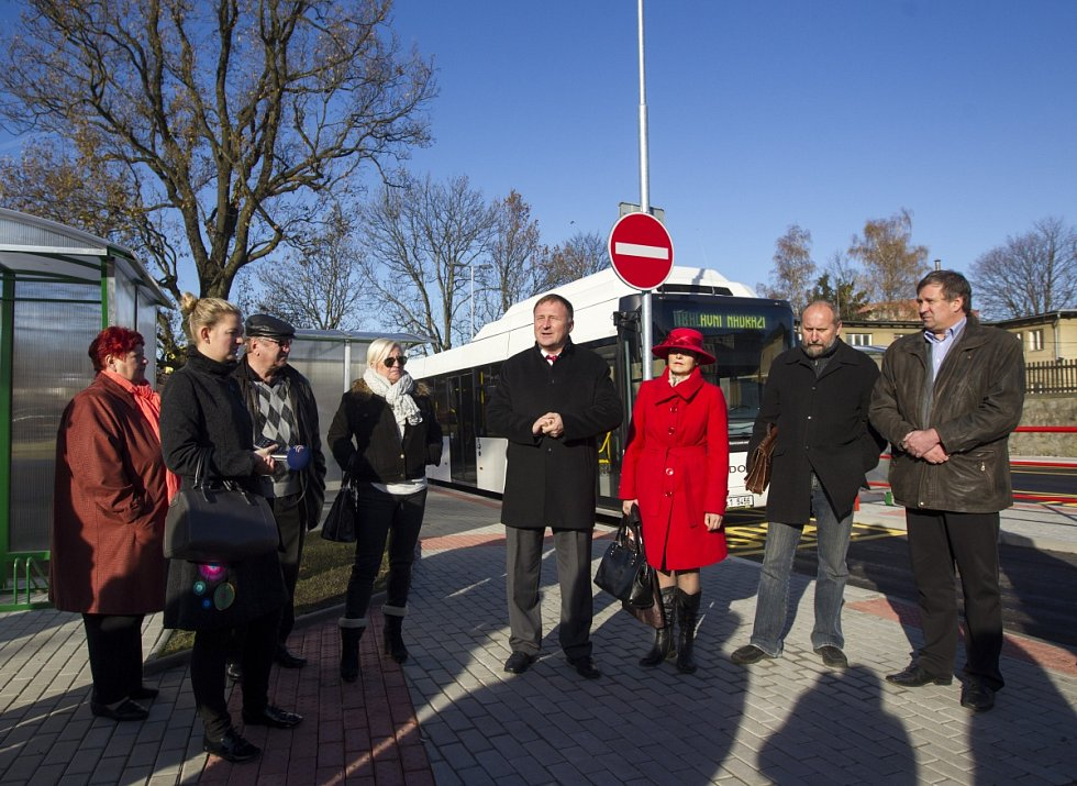 Otevření otočky autobusů u vlakového nádraží Jablonec n. N.