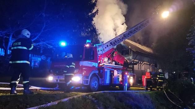Požár domu v Bozkově.