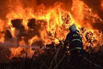 Požár skládky v Arnolticích