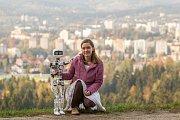 Matylda, humanoidní open source robot z dílny OpenTechLab Jablonec nad Nisou, se na konci října vydá stopem do Pelhřimova.