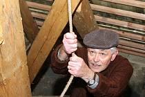 Půltunový zvon rozezněl zvoník Vladimír Hlubůček. Ilustrační foto