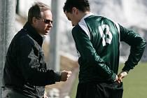 Trenér Vladimír Mařas může se svými svěřenci dosáhnout dvojitého úspěchu.