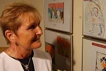 Výstavu v Galerii N navštívila také senátorka Soňa Paukrtová.