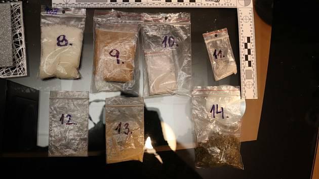 Speciální TOXI tým minulý týden zatkl partnerskou dvojici, která prodávala drogy.