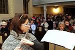 O třetí adventní neděli se v kostele sv. Josefa v Loučné konal koncert Romantické Vánoce – hrály Jitka Holubová na flétny za klavírního doprovodu Karolíny Svozilové. Návštěvníci si hřáli duši hudbou nejrůznějších směrů, ruce a tělo pak teplým svařákem.