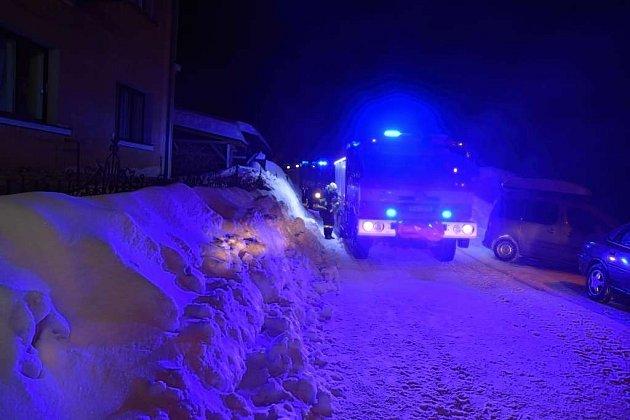 Jablonečtí hasiči vyjížděli kpožáru rodinného domu.