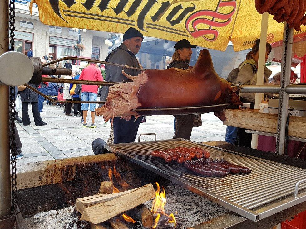 Tradiční jablonecké Podzimní trhy se v centru města konaly 22. a 23. září. Patří k nim i doprovodný program.