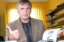 TAK JEJ ZNÁ VĚTŠINA. Místostarosta Petr Vobořil. Jednou za čas navlékne triko, džíny a v Klubu Na Rampě pouští nejen náctiletým muziku.