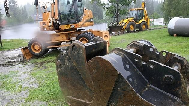 V Bedřichově začali se stavebními pracemi.