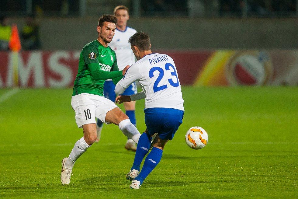 Zápas 2. kola skupiny K Evropské ligy mezi týmy FK Jablonec a FK Dynamo Kyjev se odehrál 4. října na stadionu Střelnice v Jablonci nad Nisou. Na snímku vlevo je Michal Trávník.