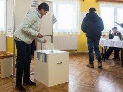 Druhé kolo prezidentských voleb 27. ledna v Maršovicích na Jablonecku.