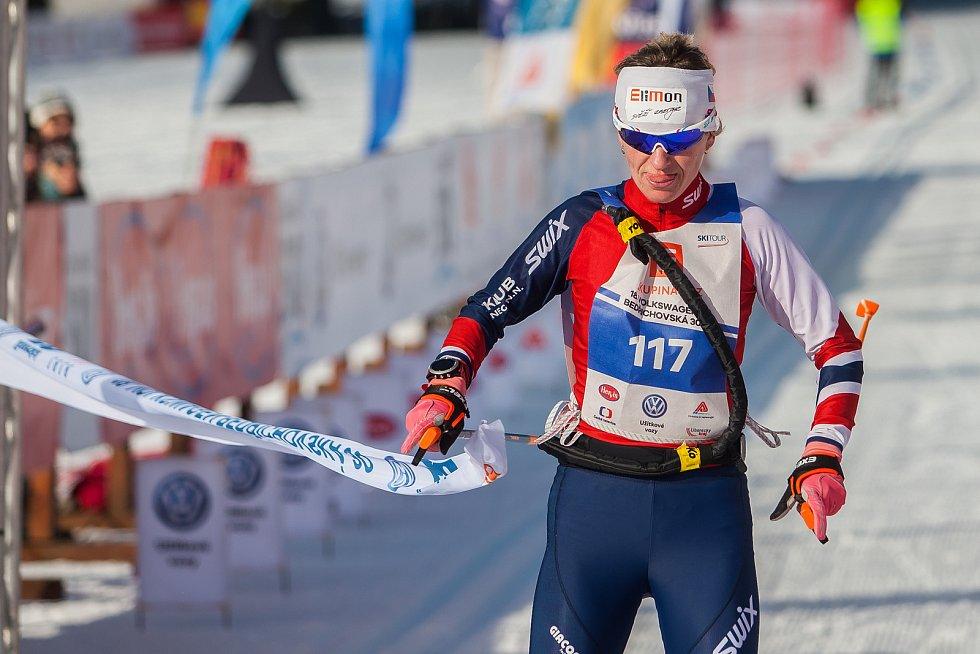 Závod v klasickém lyžování, Volkswagen Bedřichovská 30, odstartoval 16. února v Bedřichově na Jablonecku Jizerskou padesátku. Hlavní závod zařazený do seriálu dálkových běhů Ski Classics se pojede 18. února 2018. Na snímku je vítězka závodu na 30 kilometr