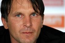 Trenér Roman Skuhravý věří, že jeho svěřenci budou v elitní pětce první ligy a postoupí v Evropské lize.