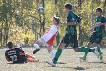 Starší dorostenci Baumitu Jablonec si v domácím zápase poradili s Baníkem Sokolov (v zeleném) 3:2.