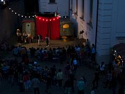 Muzejní noc u domu Scheybalových v Jablonci nad Nisou nabídla pestrý program. Cirkus Nostalgie ale i Cirkcafé bavili všechny přítomné vtipnými scénkami i schopností improvizace.